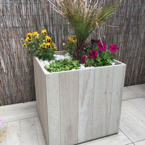 Blumenkübel aus 60x60cm 1